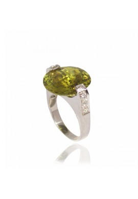 MOUNTED PERIDOT RING